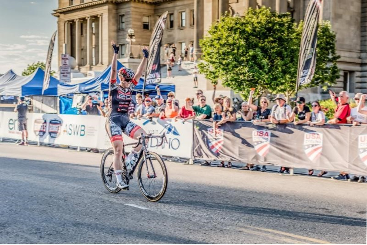 Jennifer Valente posting up for the win at the Boise Twilight Criterium - photo by Snowy Mountain Photography.