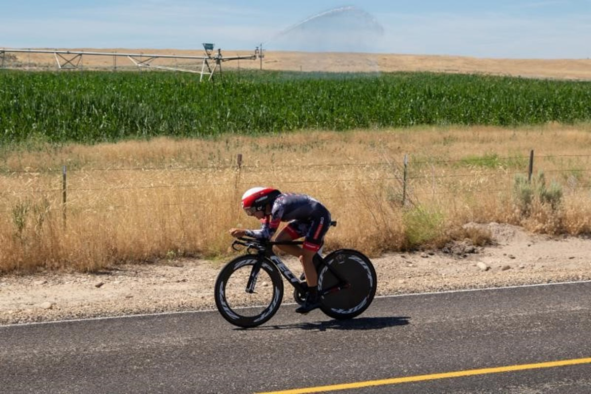 Jasmin Duehring on her way to a third place in the Chrono Kristen Armstrong - photo by Snowy Mountain Photography.